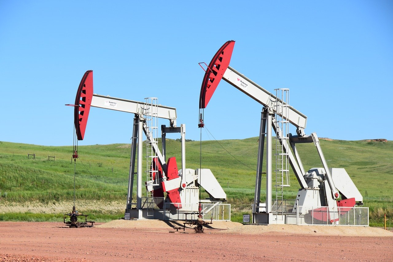 Clark Weeks recommends investing in oil wells